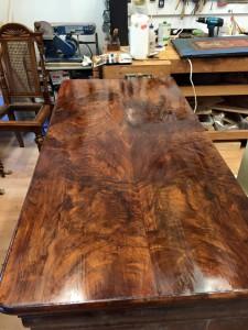 Tisch nach Restaurierung